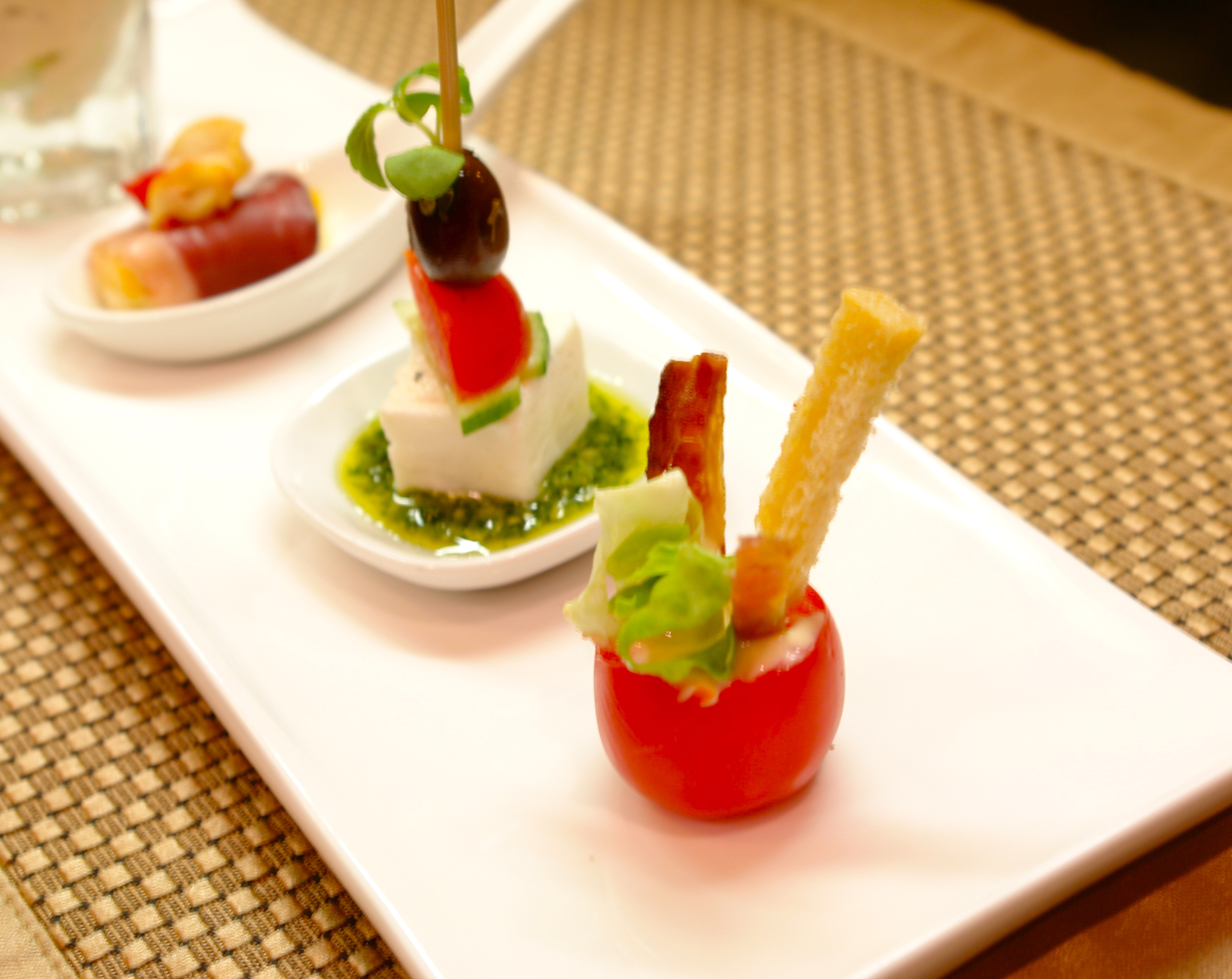 Canap luxury yacht cuisine for Japanese canape